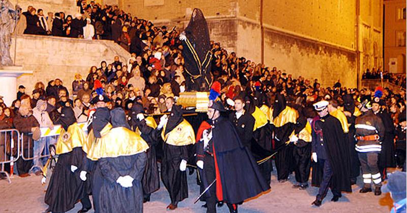 Processione-del-venerì-santo-Chieti