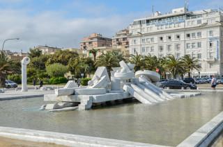 """La storica """"Nave"""" di Cascella, realizzata nel 1987 dallo scultore nato a Pescara"""