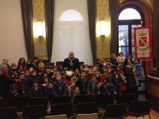 I bambini della Scuola d'infanzia Noé Lucidi dal Sindaco