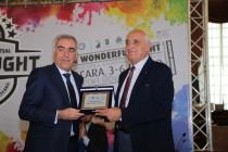 Il presidente Tonelli con Enzo Imbastaro