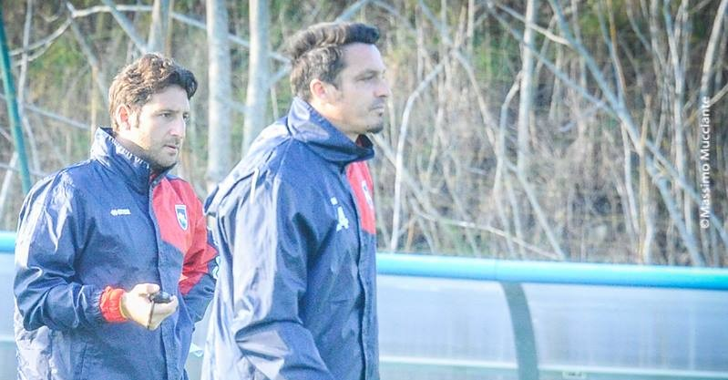 Massimo Oddo insieme a mister Donatelli durante l'allenamento
