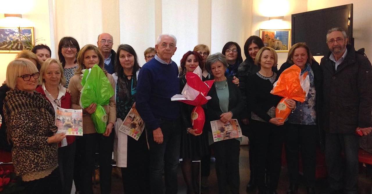 Volontari Ail con il presidente Cappuccilli e l'ematologo Giuseppe Fioritoni