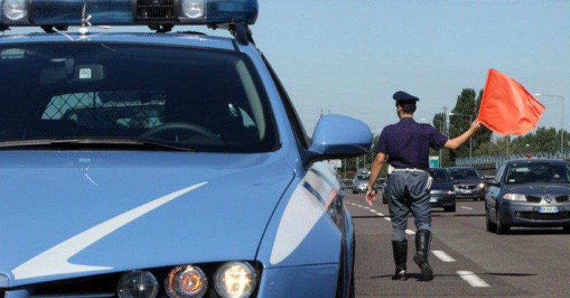 Polizia sull'autostrada