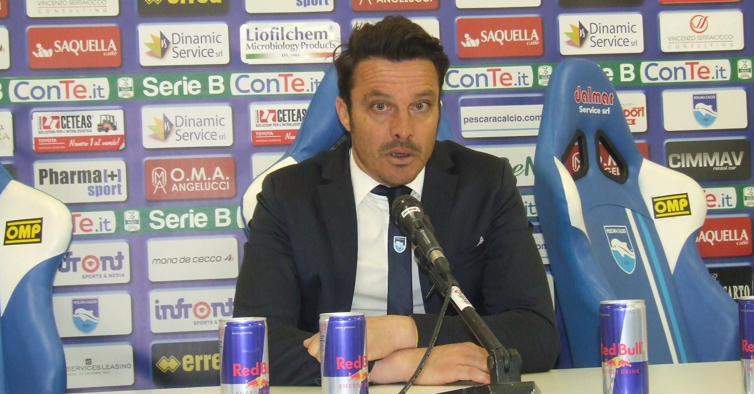 Massimo Oddo durante la conferenza stampa