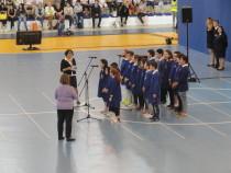 L'esibizione di una scuola primaria