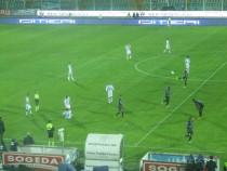 Una fase di gioco tra Pescara e Latina