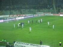 Una punizione battuta dal Pescara