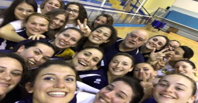 Selfie dopo la vittoria - Pallavolo Montesilvano