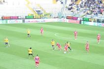 una fase di gioco tra Modena - Pescara