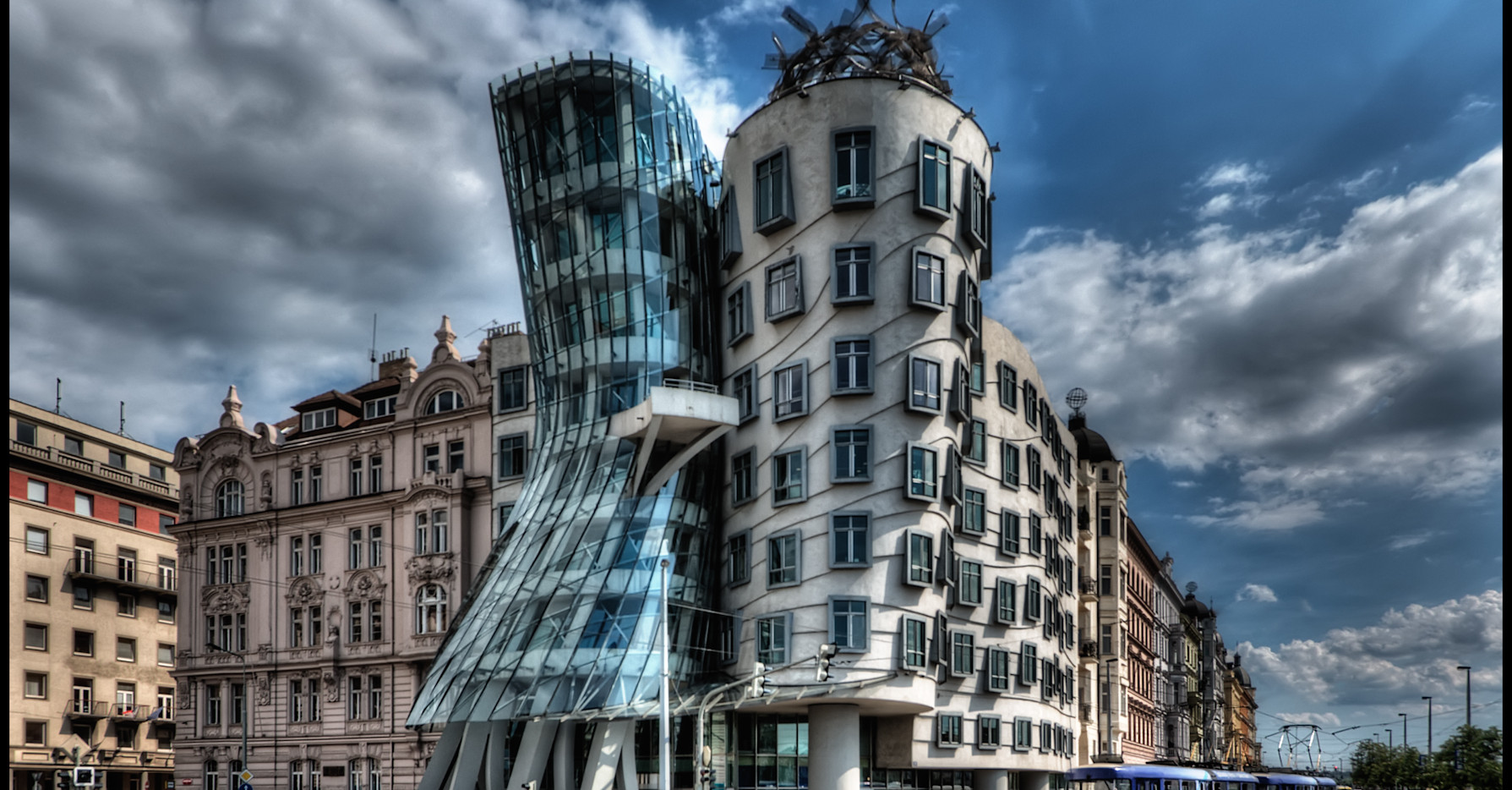 Dancing House, Praga