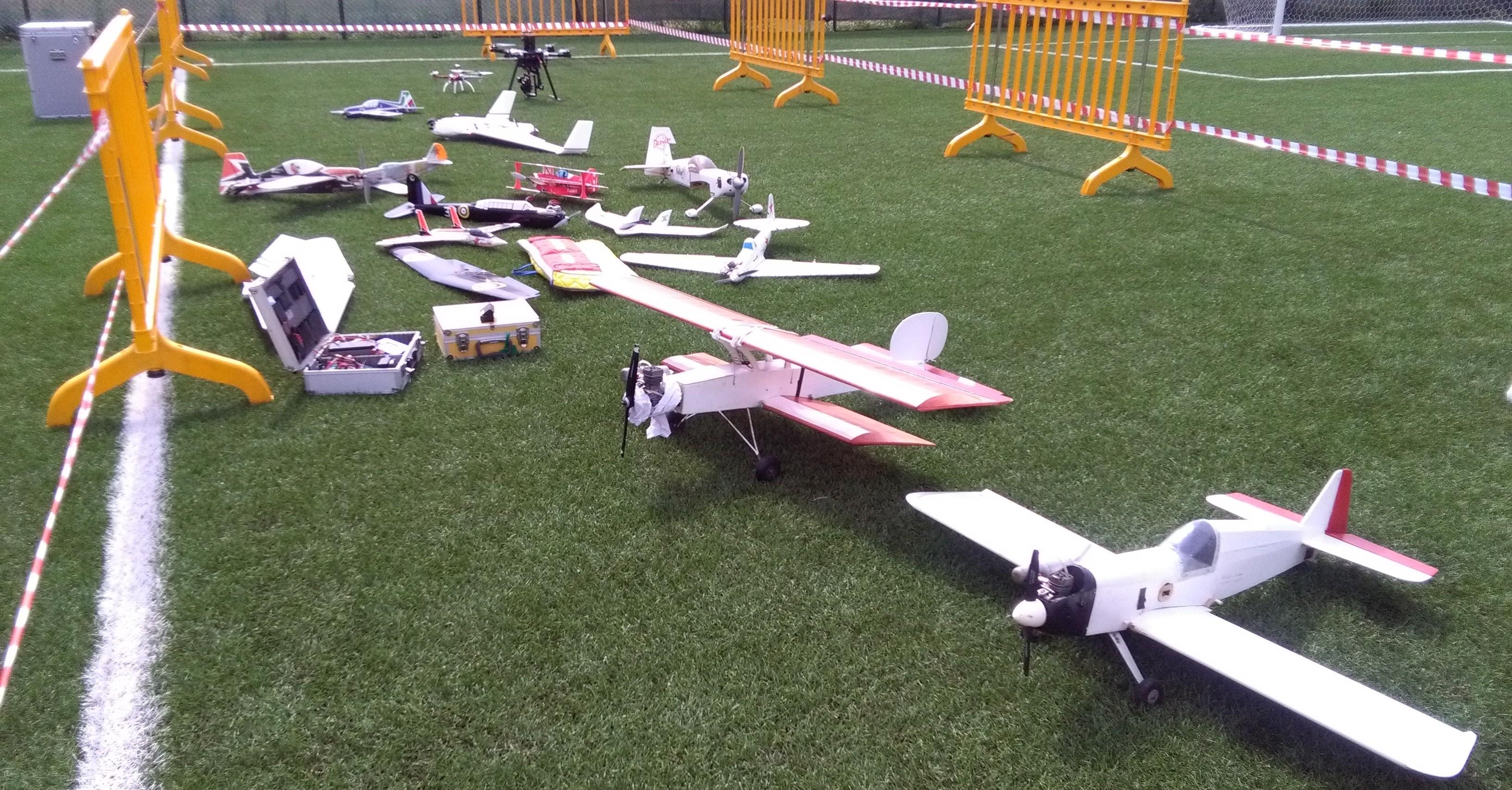 Scuola-aeromodellismo-Castelnuovo