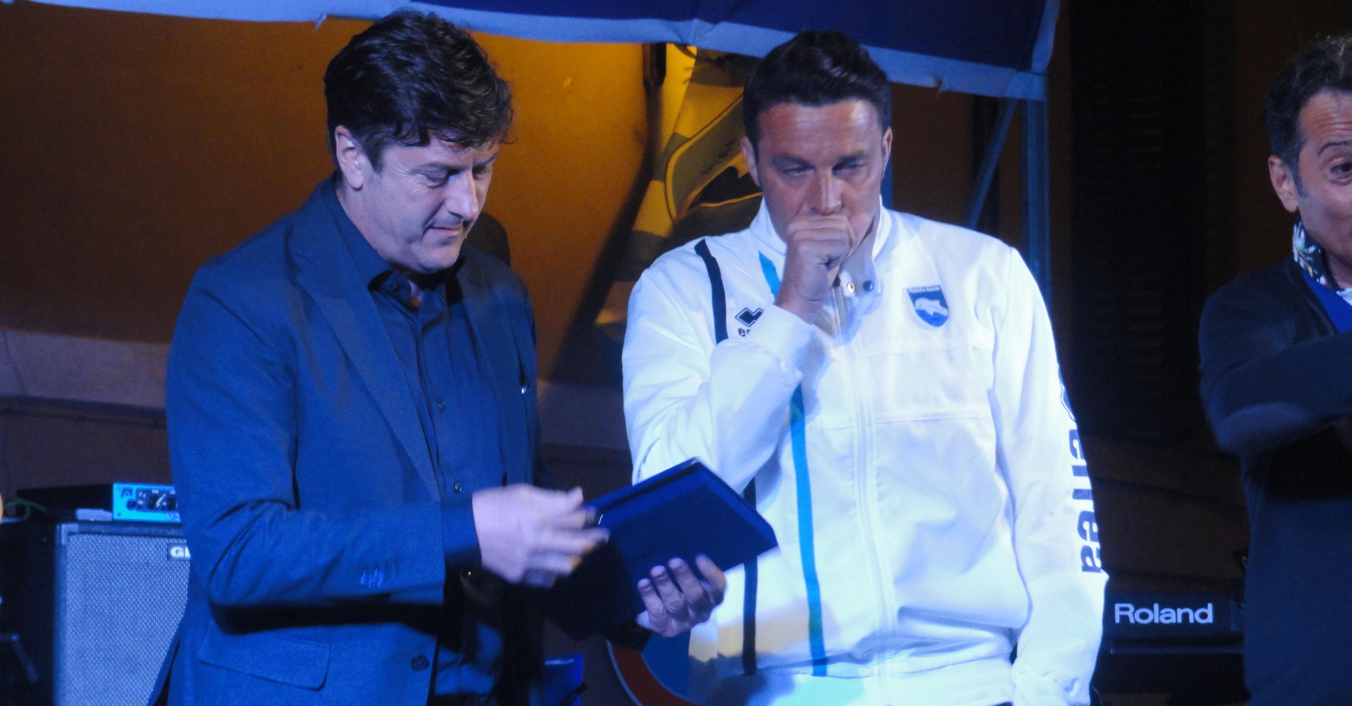 Il tecnico Massimo Oddo, insieme con il presidente Sebastiani