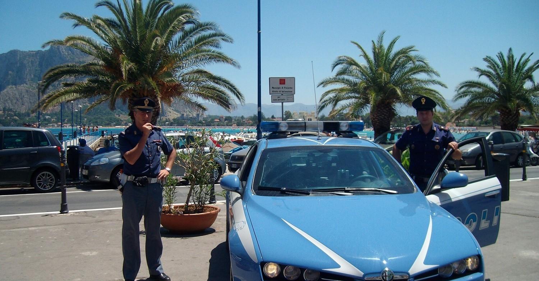 Polizia sulla spiaggia