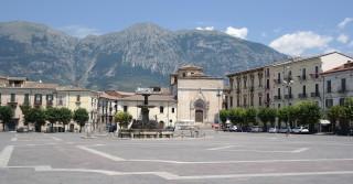 Sulmona, piazza garibaldi