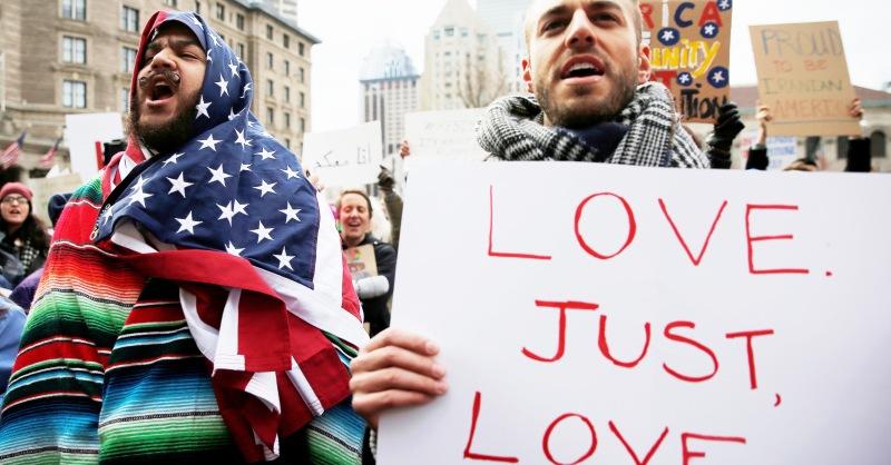 Muslim ban, il 51% degli italiani è d'accordo con Trump