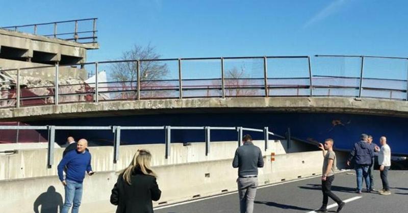 Ancona, crolla ponte sull'A14