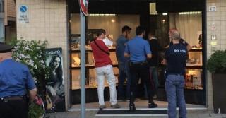 Pisa, gioielliere rapinato uccide bandito