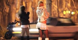 Piacenza, impiegato a prostitute con l'auto del Comune